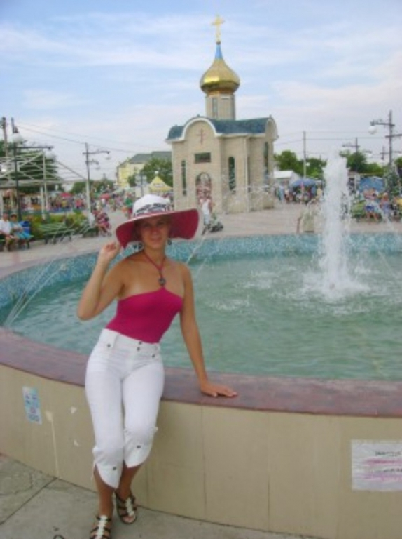 moscow single women Hundreds of single russian women join our site every week you could try the advanced search facility in our site and find russian brides who.